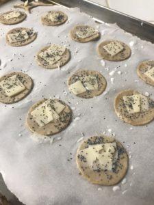 crackers apéritif parmesan