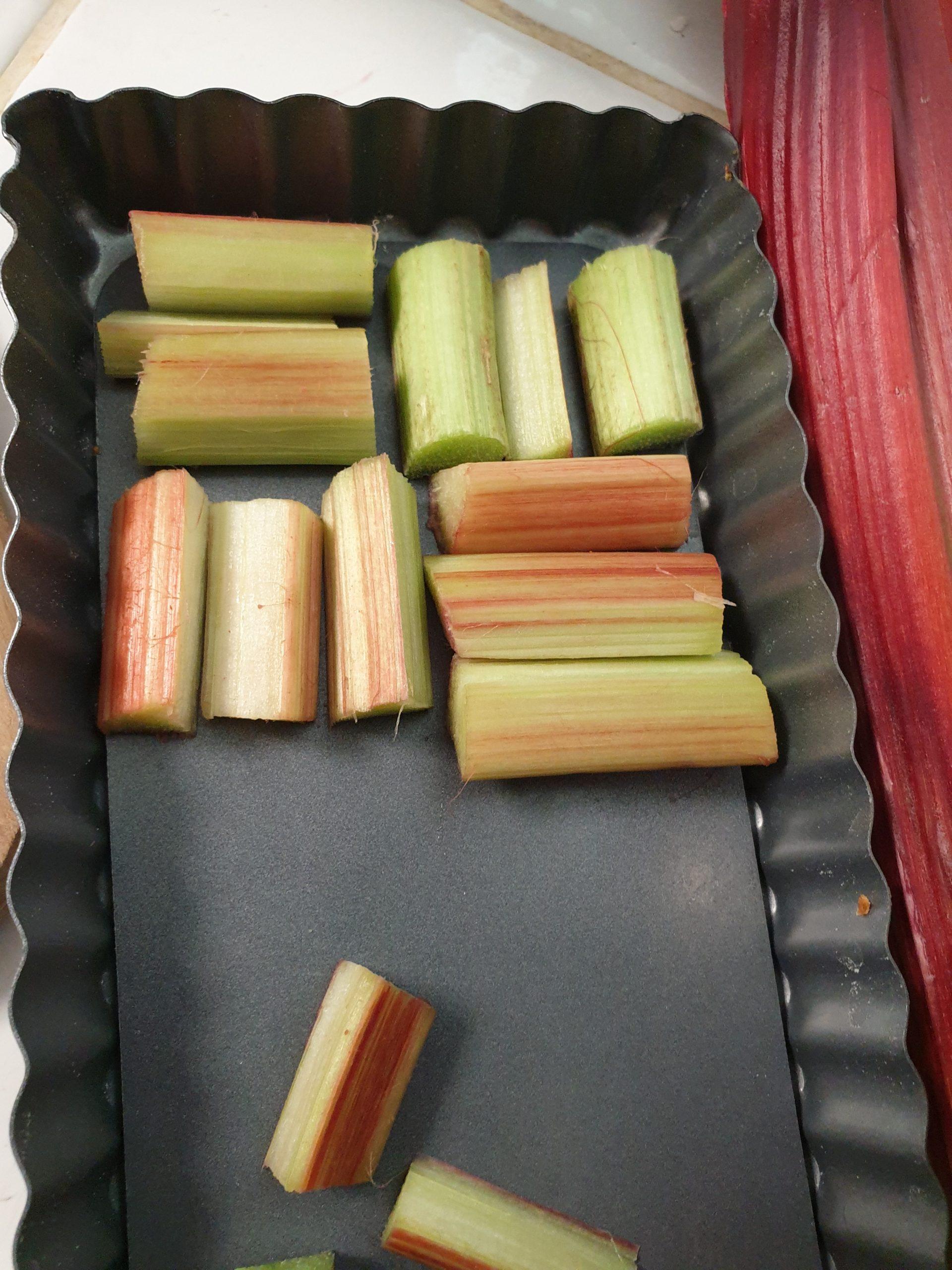 Préparation tarte à la rhubarbe